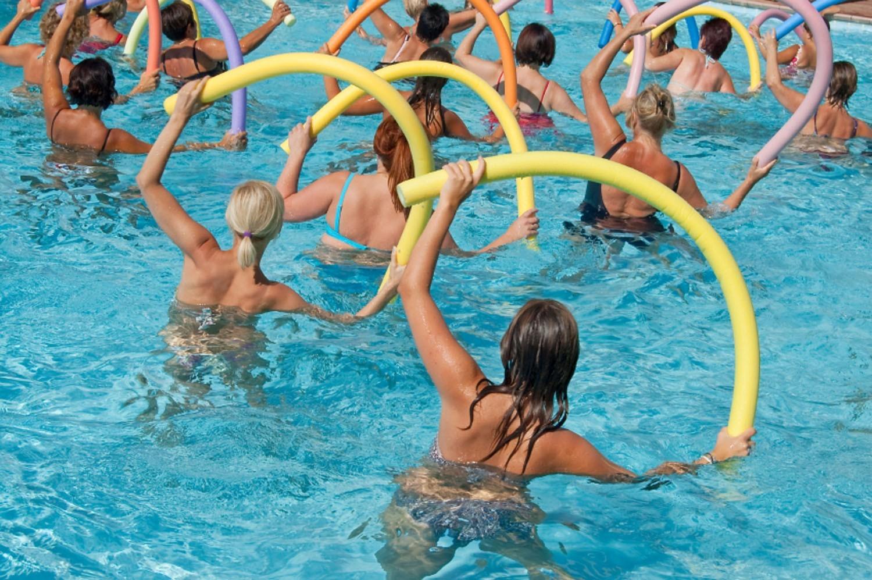 Плавание для похудения: как и сколько нужно плавать в